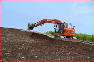 Préparation de terre à vigne dans la Marne, 51